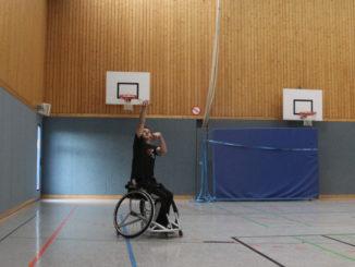 Rollstuhlbasket0002 e1511198361843 326x245 - ERSTEN SAISONSIEG GEFEIERT