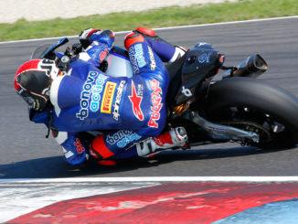 Jonas Folger IDM Superbike Foto Hermann Rüger 4 326x245 - JONAS FOLGER WIRD MIT DOPPELSIEG SUPERBIKE-MEISTER