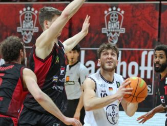 "Giants Dragons 326x245 - BAYER FEIERT KNAPPEN ""START-ZIEL-SIEG"""